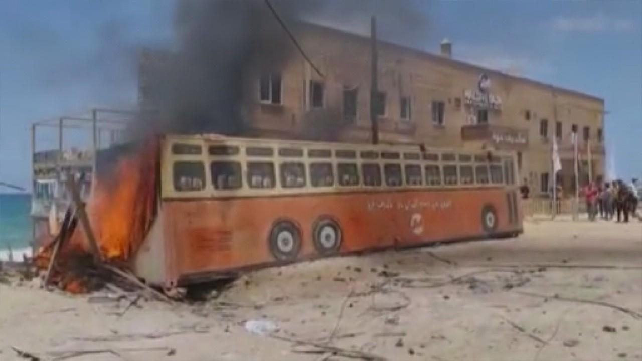 İsrail Gazze'de kafeyi vurdu