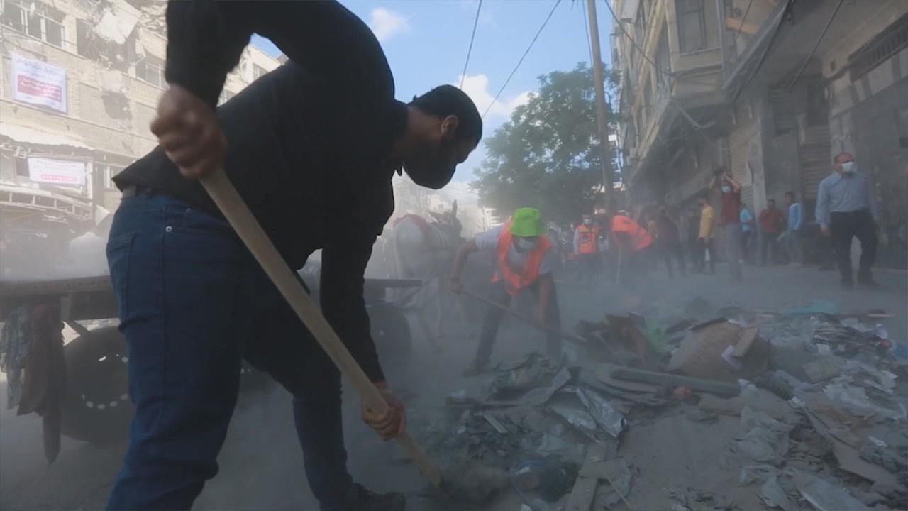 Harabeye dönen Gazze'de temizlik seferberliği