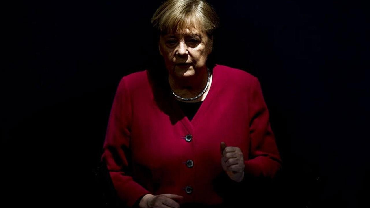 Merkel'den Sisi ile kritik görüşme