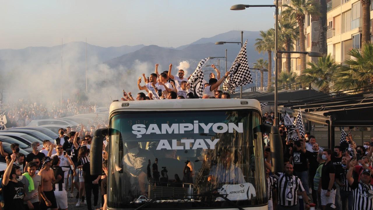 İzmir'de Altay coşkusu... Süper Lig'i kutladılar