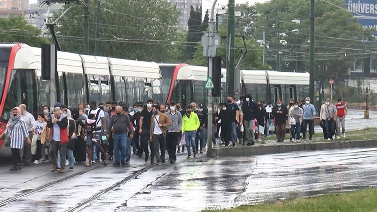 İstanbul'da tramvay kazası! Trafik durdu