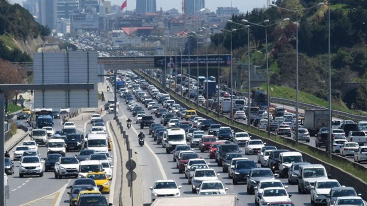 Kısıtlama bitti, trafik yoğunluğu başladı!
