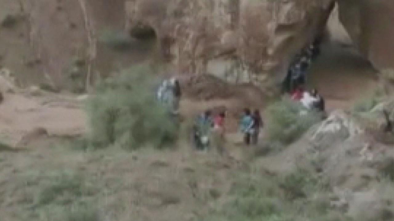 Kanyon turuna çıkan öğrenciler sele yakalandı