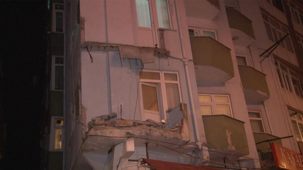 Avcılar'da 7 katlı binanın iki balkonu çöktü