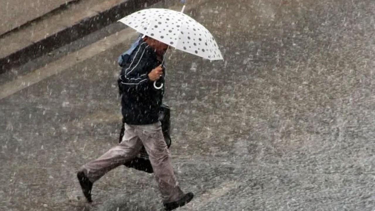 Beklenen yağış geldi! Bugün dikkat!