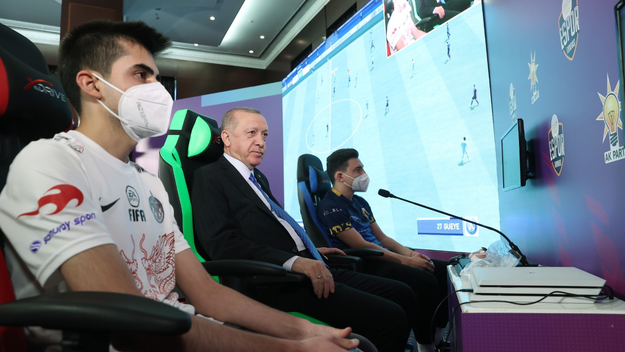 Erdoğan e-Spor turnuvası finalini canlı izledi