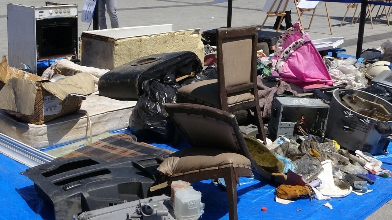 Dere yataklarından çıkan çöpler herkesi şaşırttı