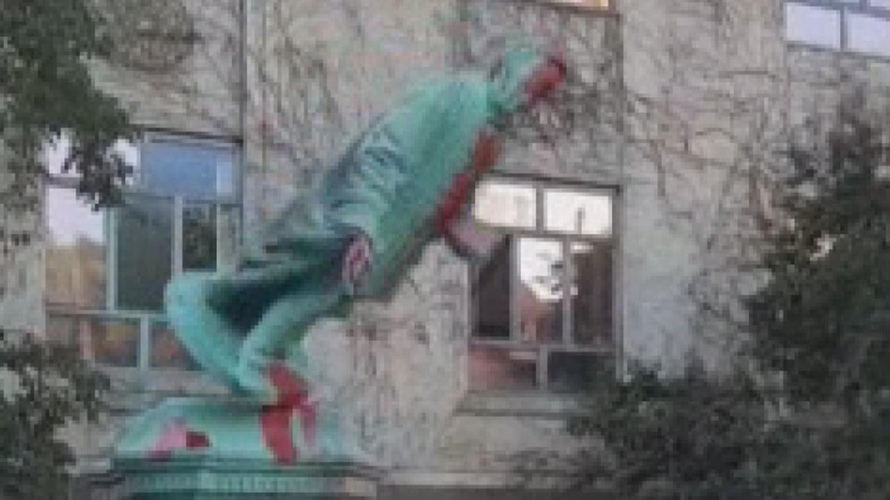 Egerton Ryeson heykeli yıkıldı