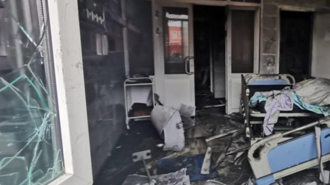 Pandemi hastanesinde yangın: 3 ölü