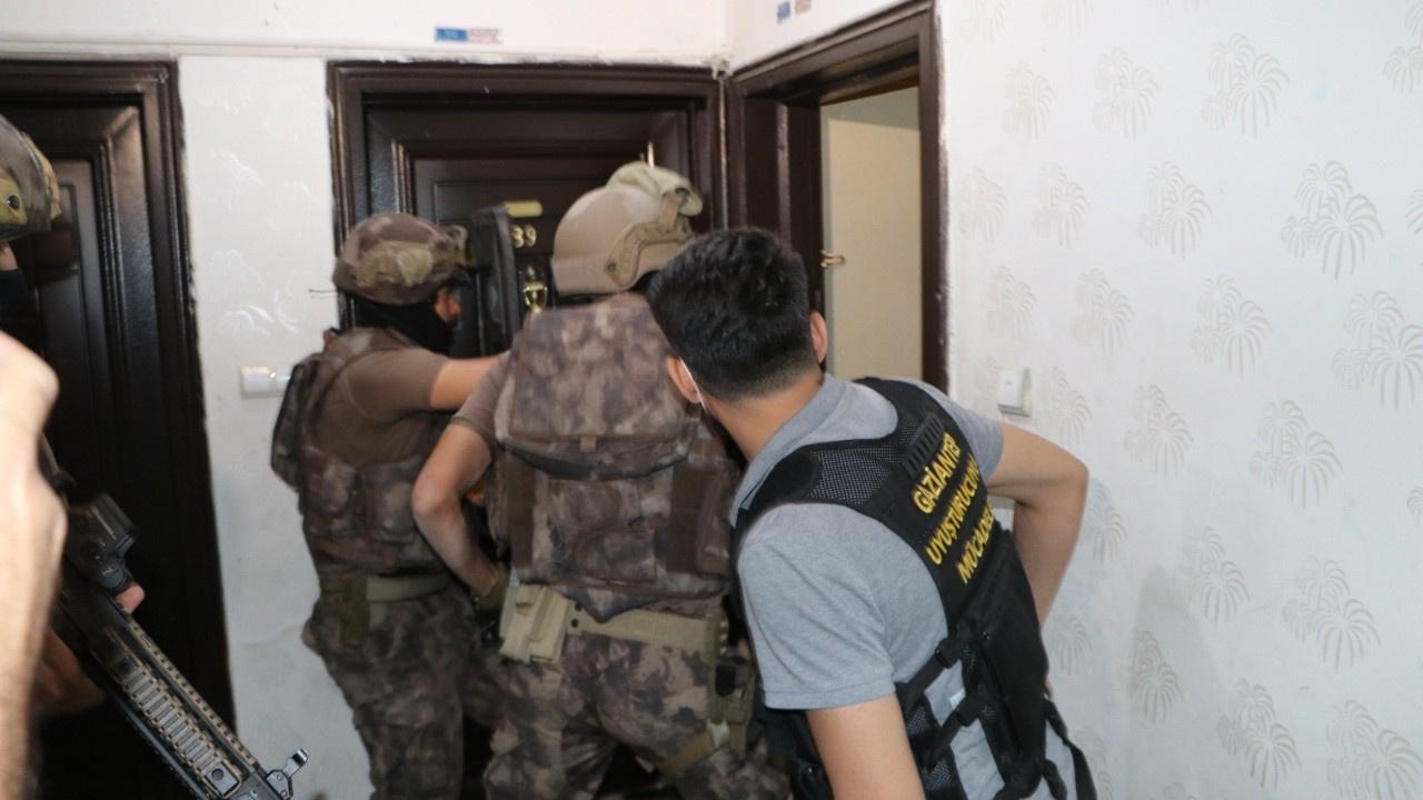 Uyuşturucu tacirlerine dev operasyon: 600 polis...