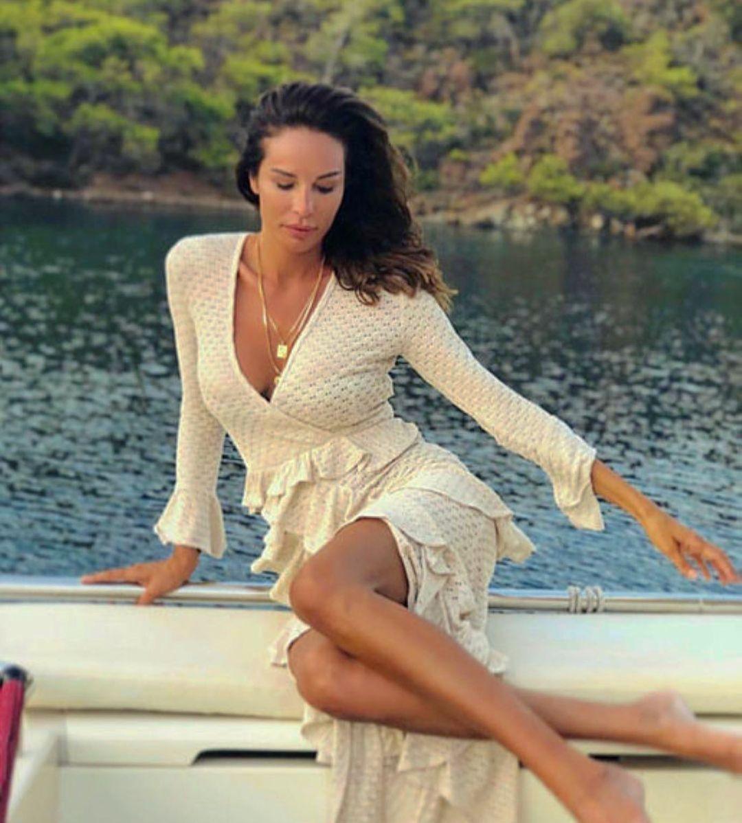 40 yaşındaki Güzide Duran bikinili pozlarıyla meydan okudu! - Sayfa 2