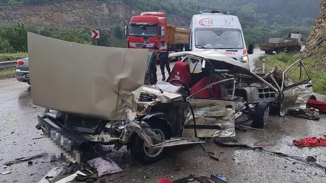 Feci kazada can pazarı! 1 çocuk hayatın kaybetti anne ve baba yaralı