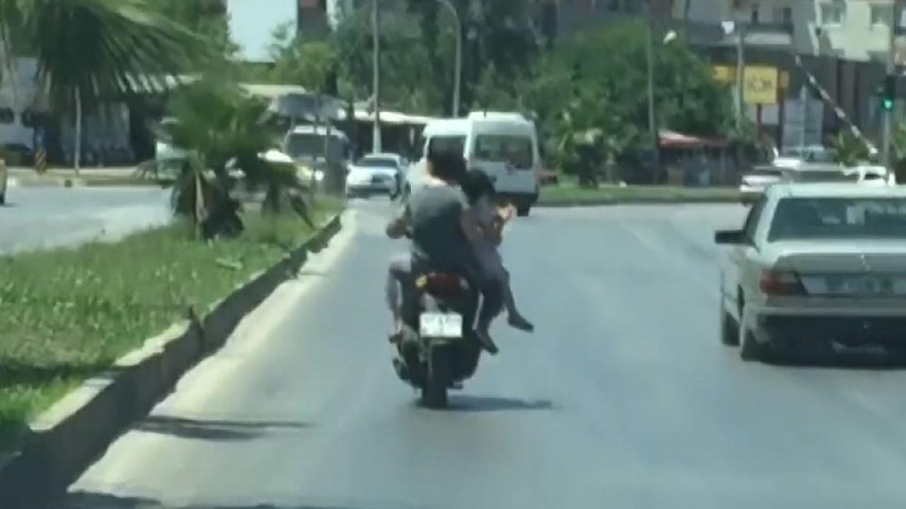 Motosiklette pes dedirten davranış!