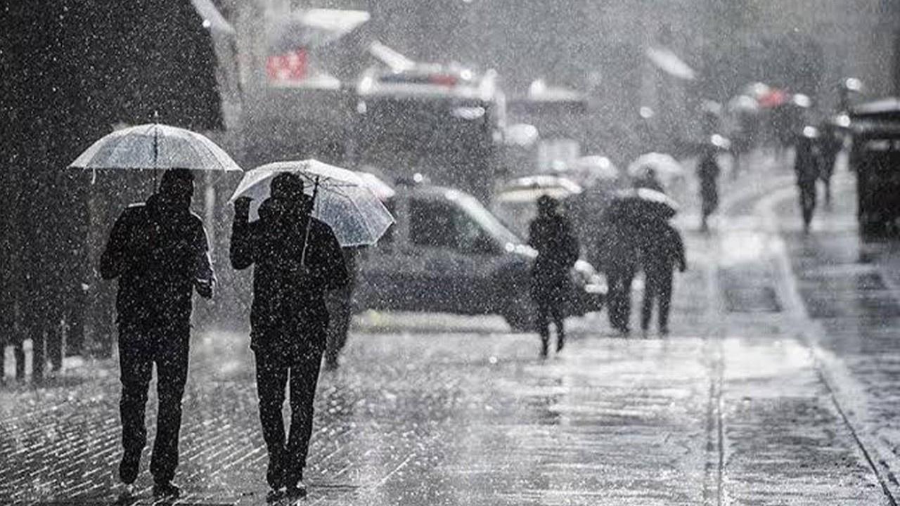 İstanbul'da şiddetli yağış ve dolu etkili oldu