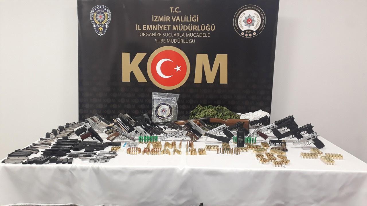 İzmir merkezli yasa dışı silah ticareti operasyonu