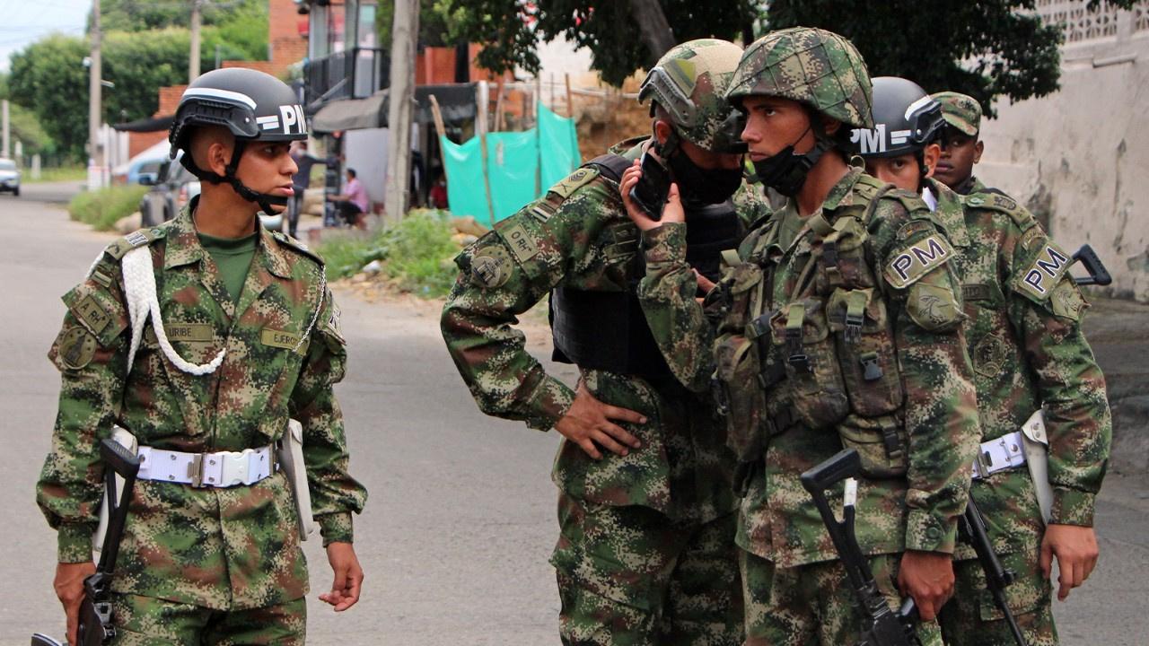 Kolombiya'da orduya bombalı saldırı: 36 yaralı