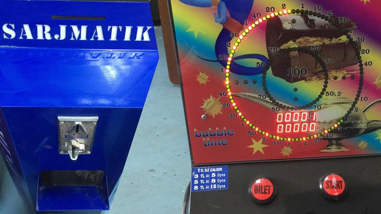 Şarj ve müzik kutusundan kumar makinesi yapmışlar