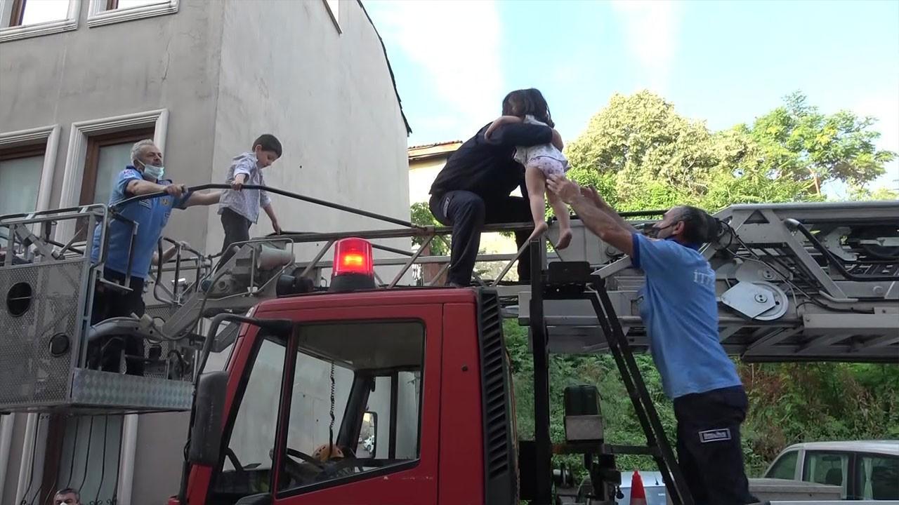 Bursa'da 1'i bebek 12 kişi yangından kurtarıldı