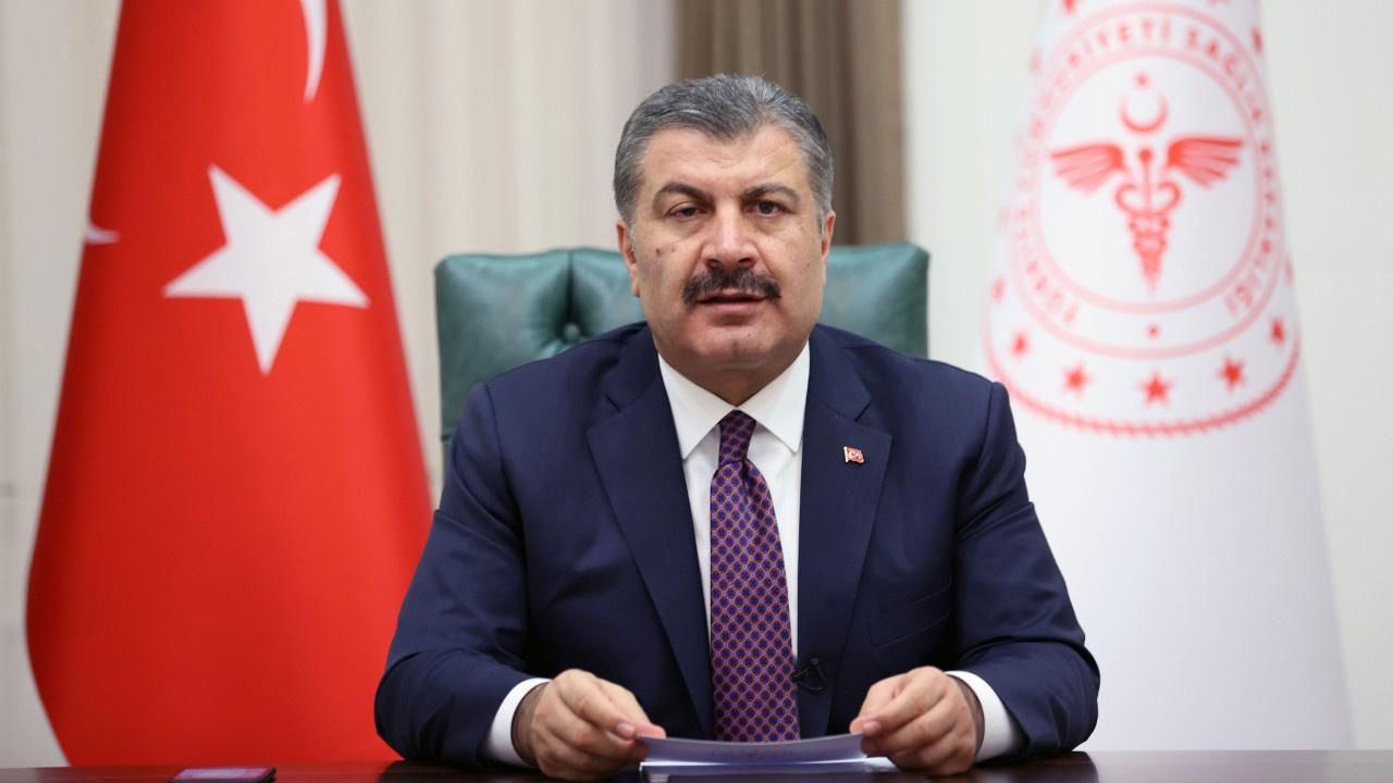 Sağlık Bakanı Fahrettin Koca, aşı randevusunda yaş sınırının 25'e indiğini duyurdu
