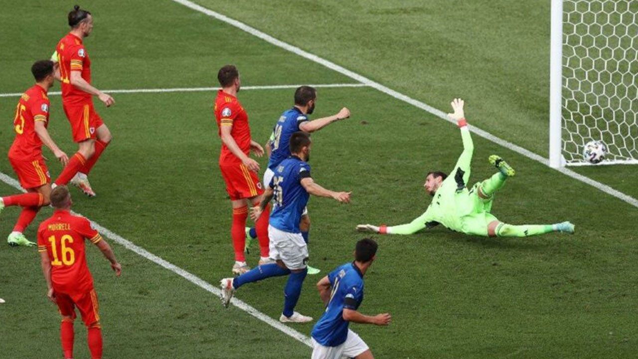 İtalya 1 Galler 0
