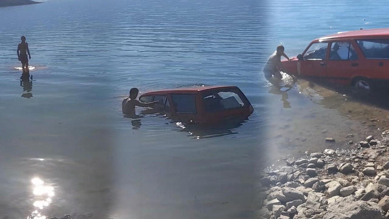 Balık tutmaya gitti, otomobilini sudan çıkardı!