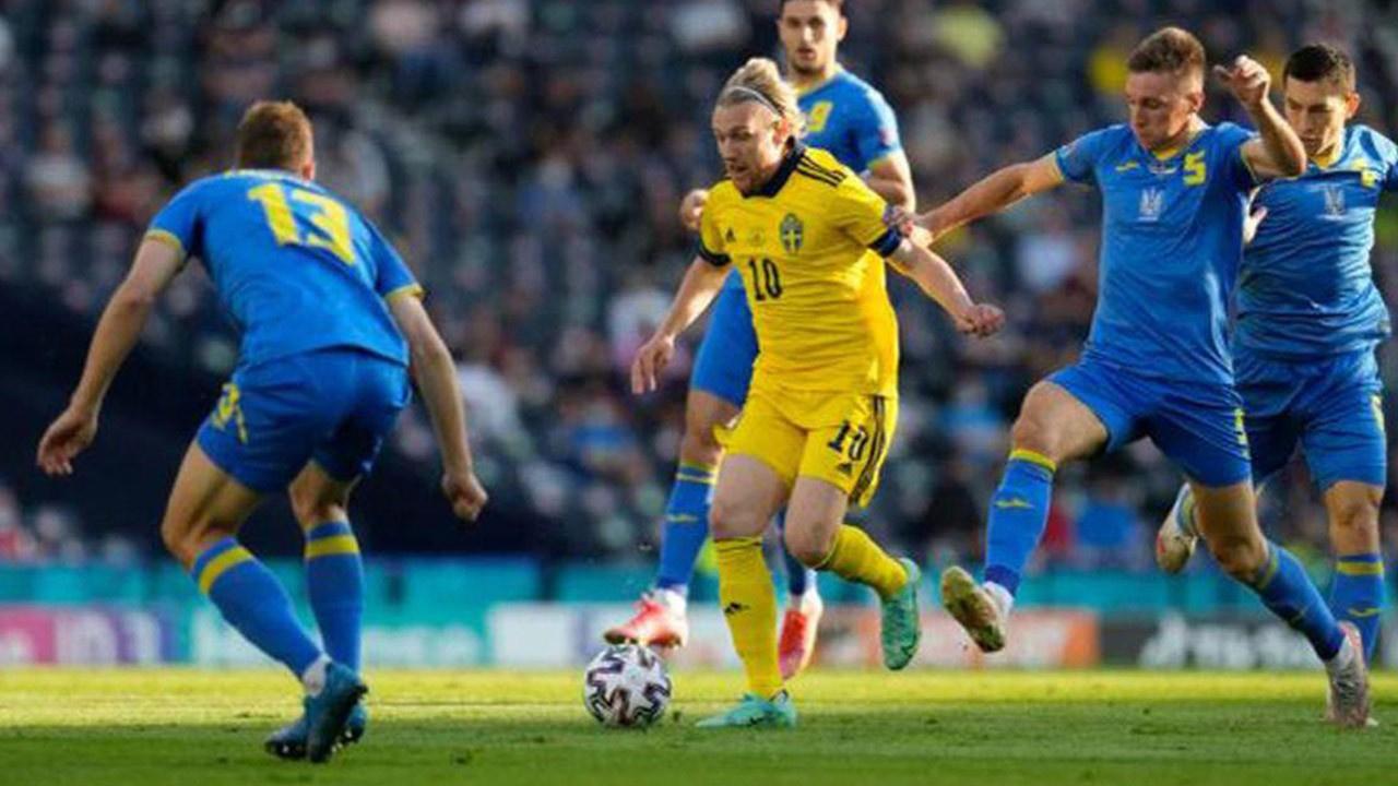 Euro 2020'de bir sürpriz daha.. Ukrayna tur atladı