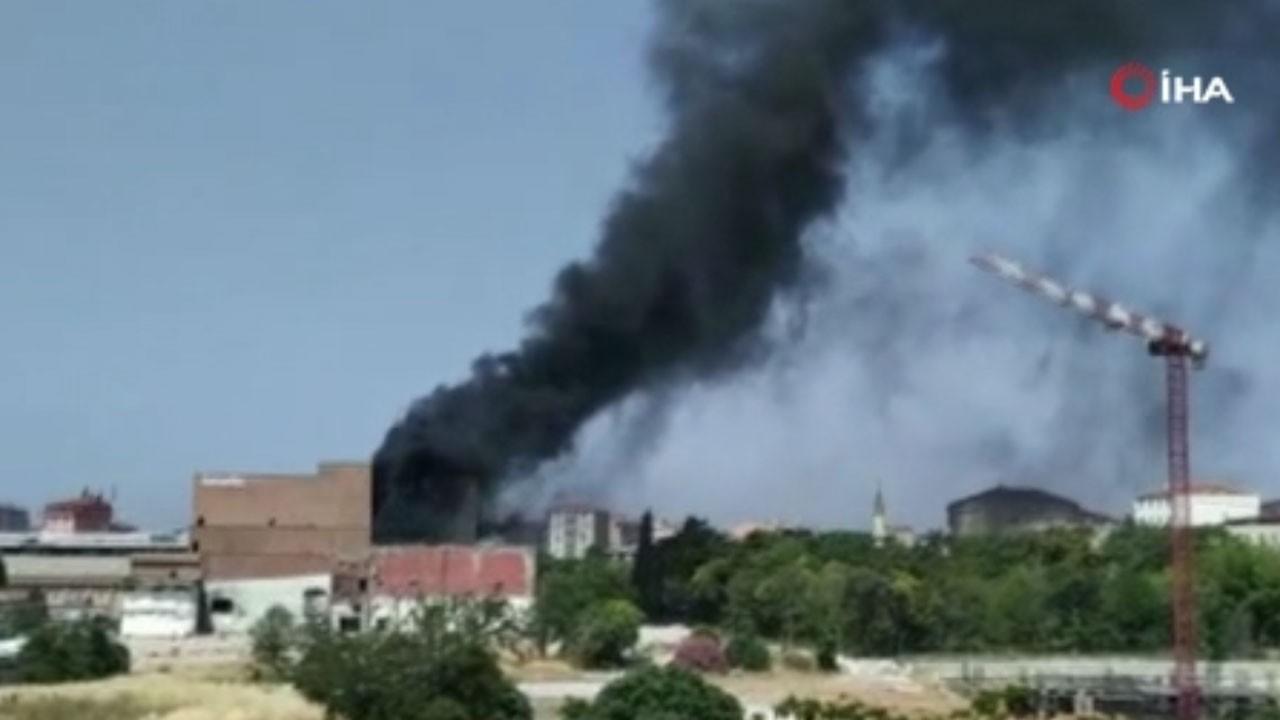 Şehrin ortasında korkutan yangın!
