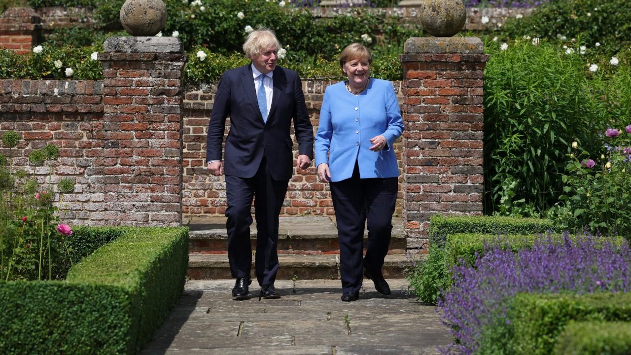 Merkel'den veda ziyaretleri başladı