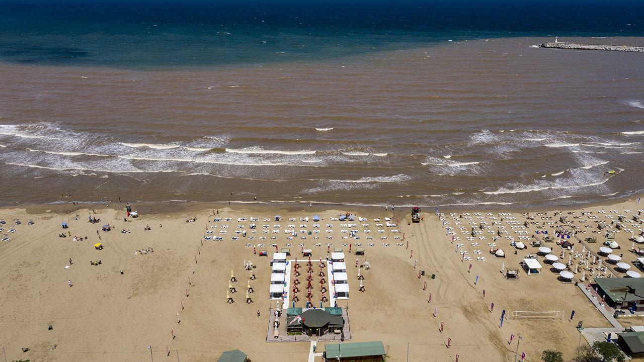 Şile'de sağanak sonrası denizin rengi değişti