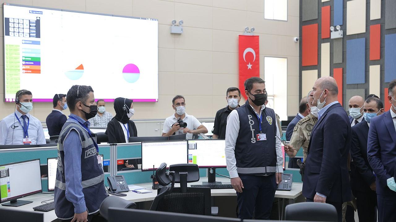 Bakan Soylu 112 Acil Çağrı Merkezi'nde