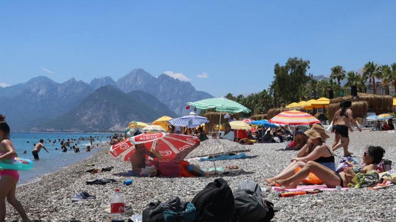 Kısıtlamasız ilk pazar gününde sahiller doldu!
