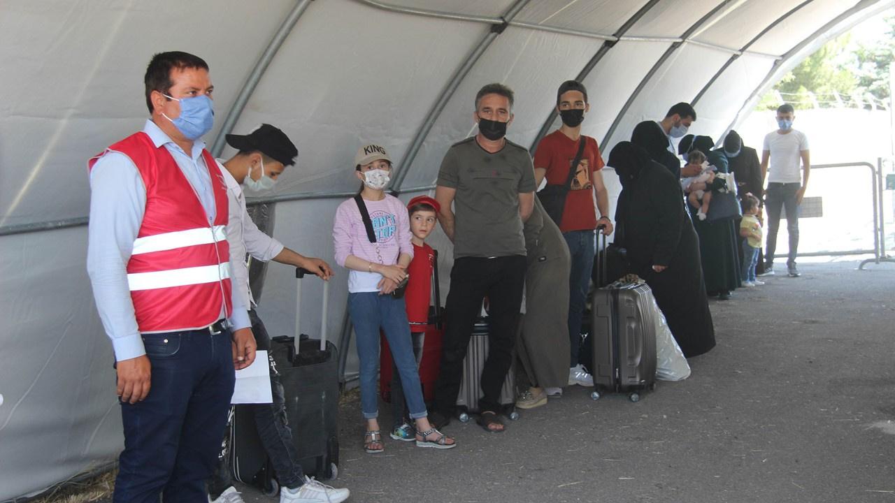 Suriyeliler'in bayram yolculuğu başladı