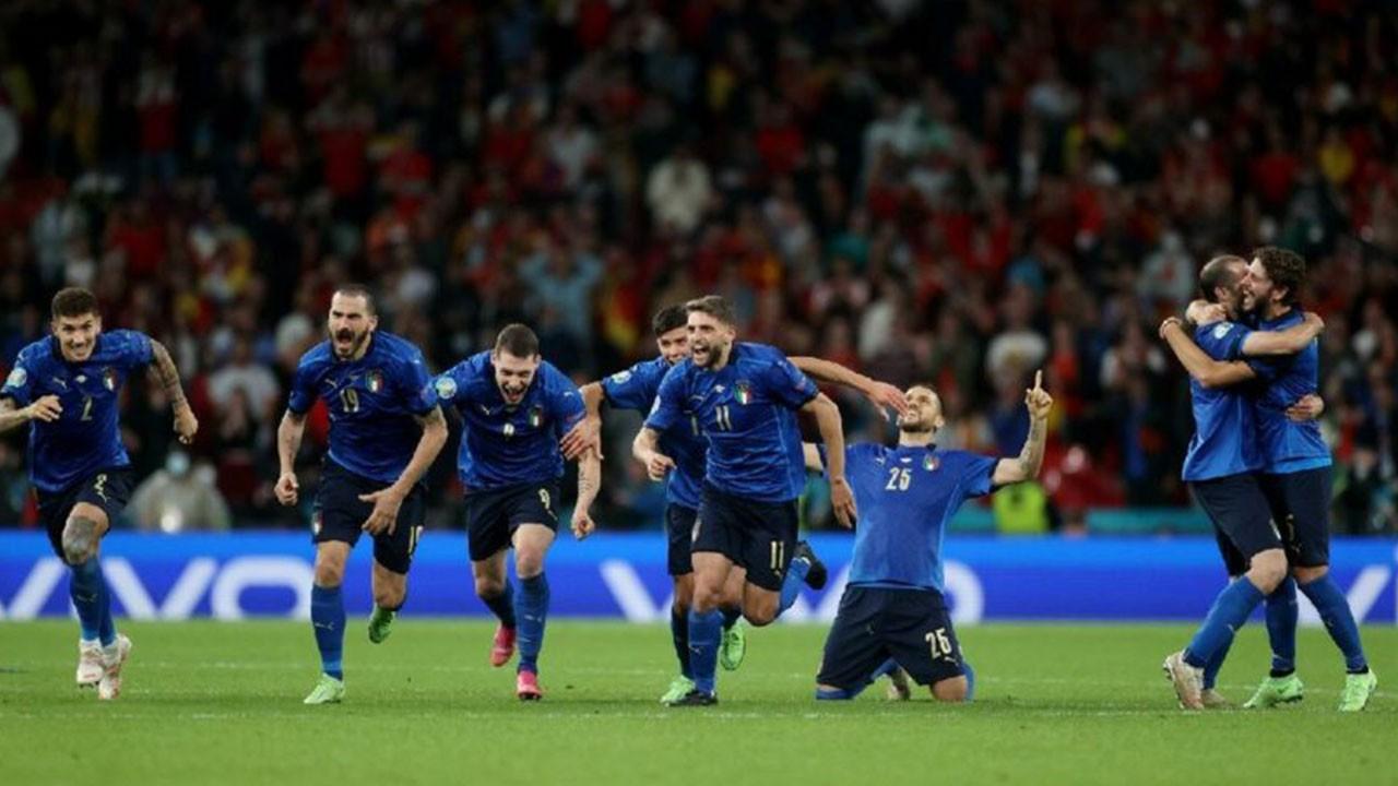 EURO 2020'nin ilk finalisti İtalya oldu!