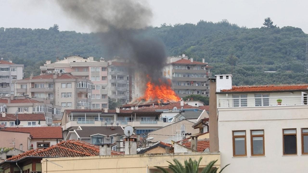 Bursa'da korkutan yangın! Göz gözü görmüyor