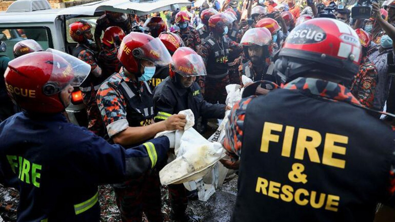 Bangladeş'te facia: 49 ölü