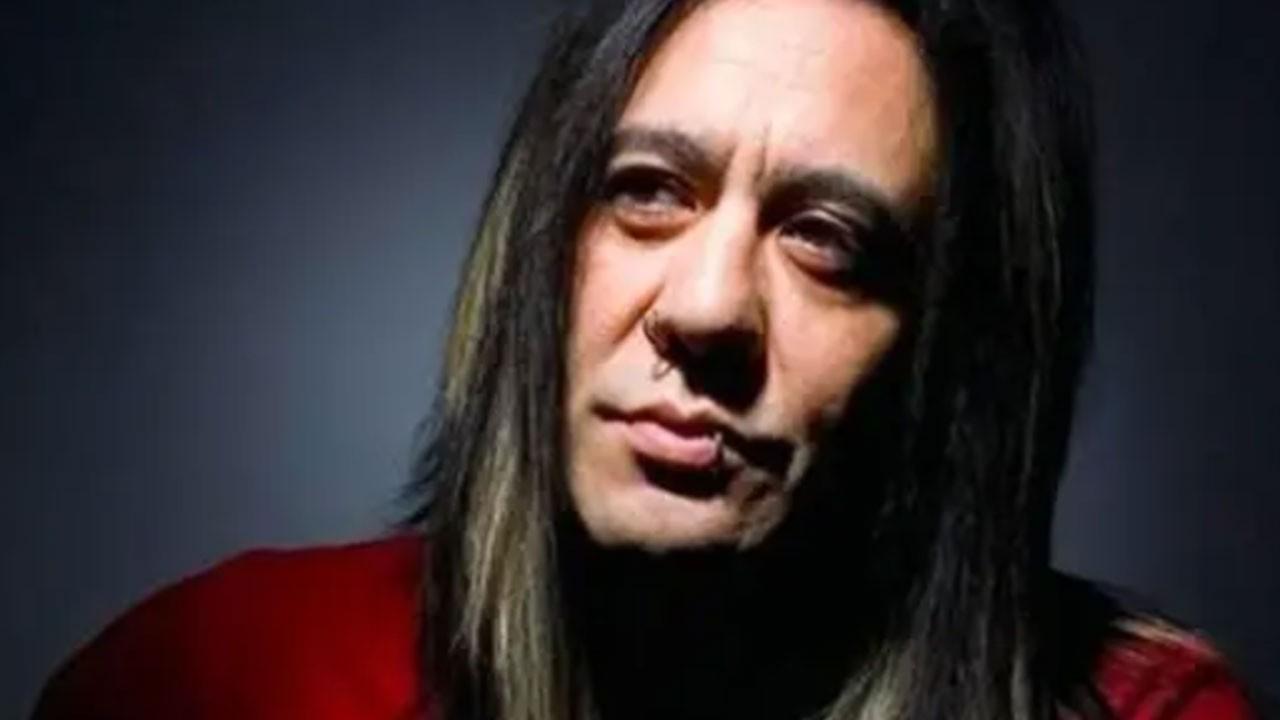 Ünlü rockçı evinde ölü bulundu! Oğlundan açıklama