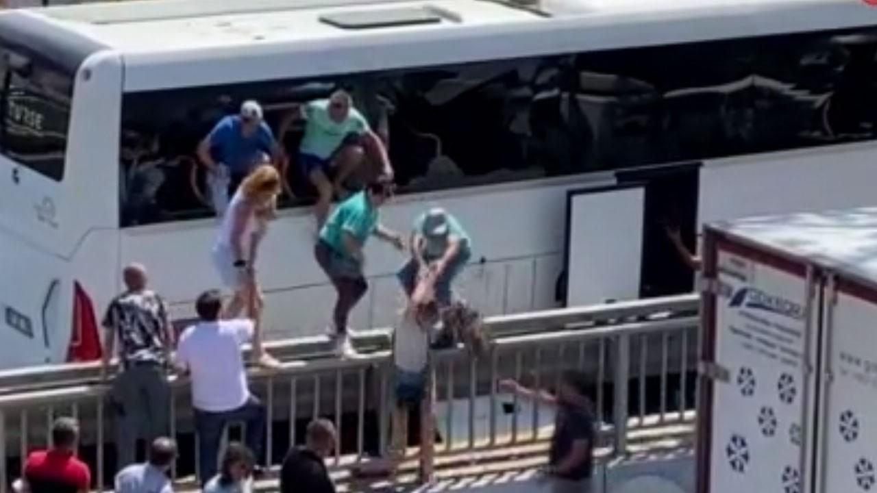 Turistler kendilerini camdan attı!