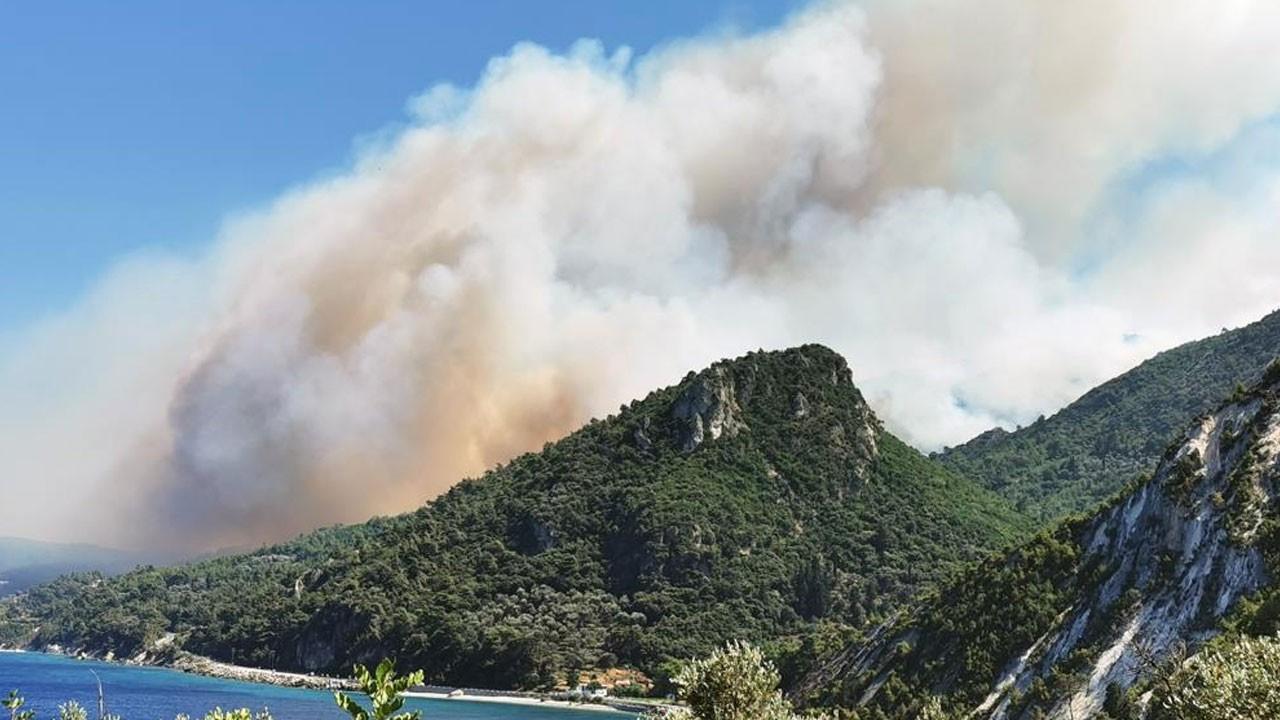 Yunanistan'ın Sisam adası yanıyor