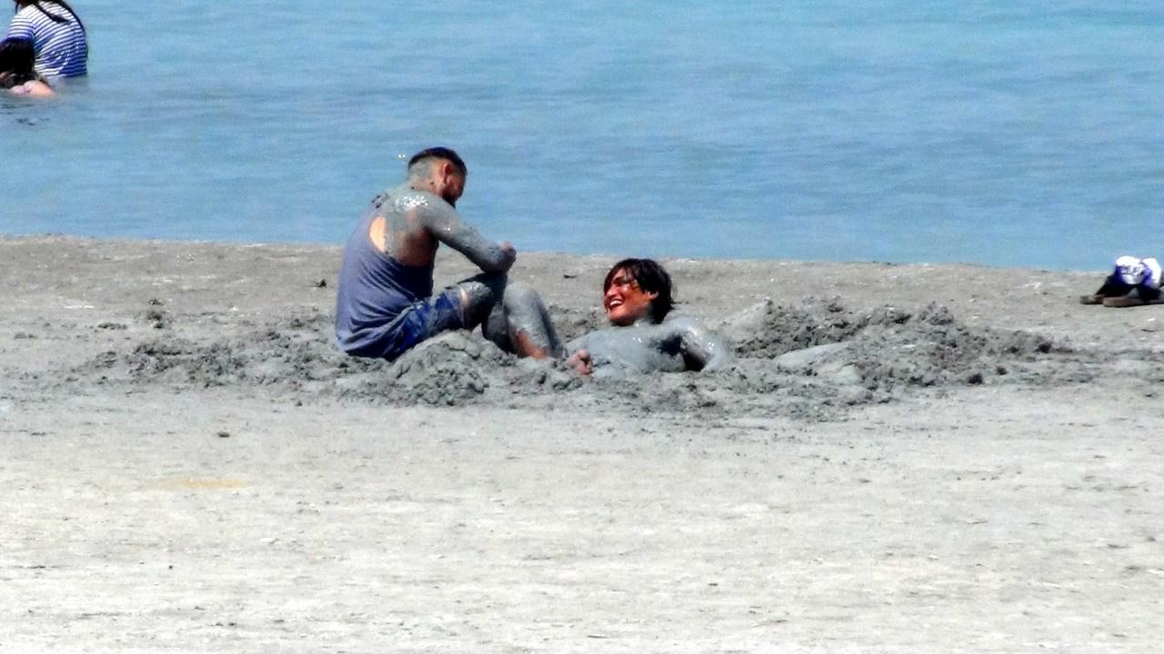 Salda Gölü kıyısında rezalet!