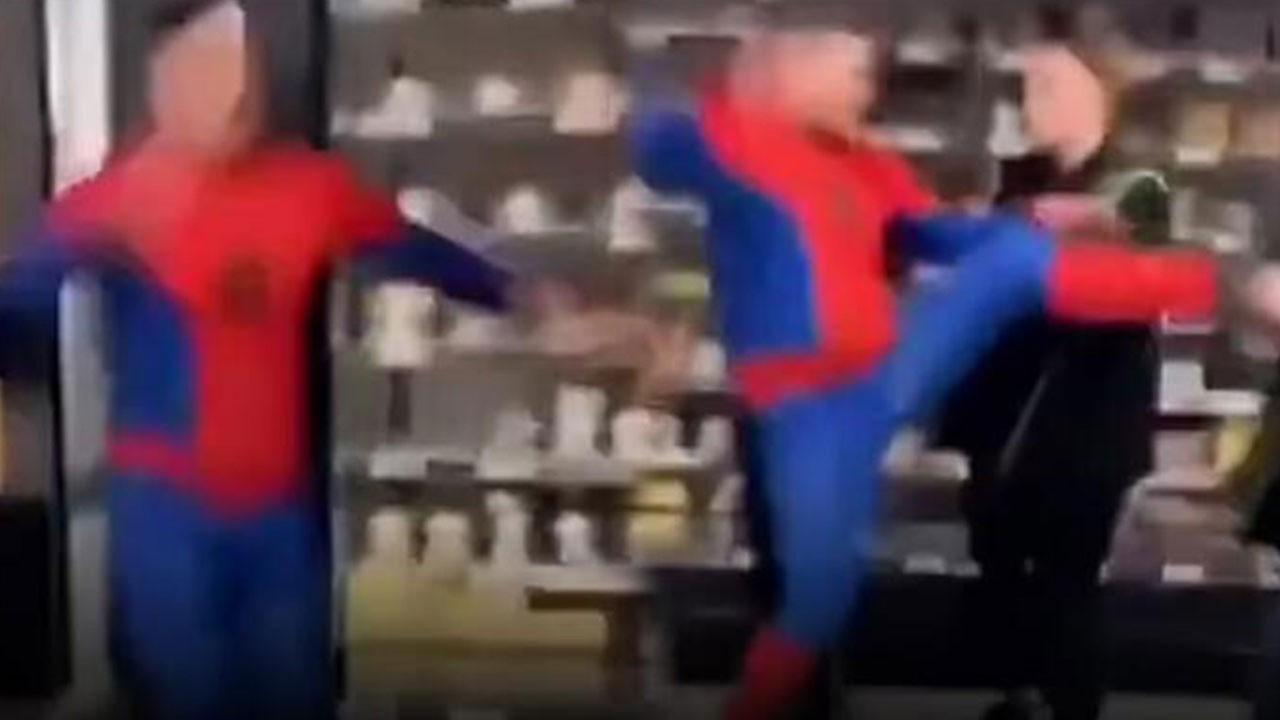 Akılalmaz olay! Örümcek Adam dehşet saçtı