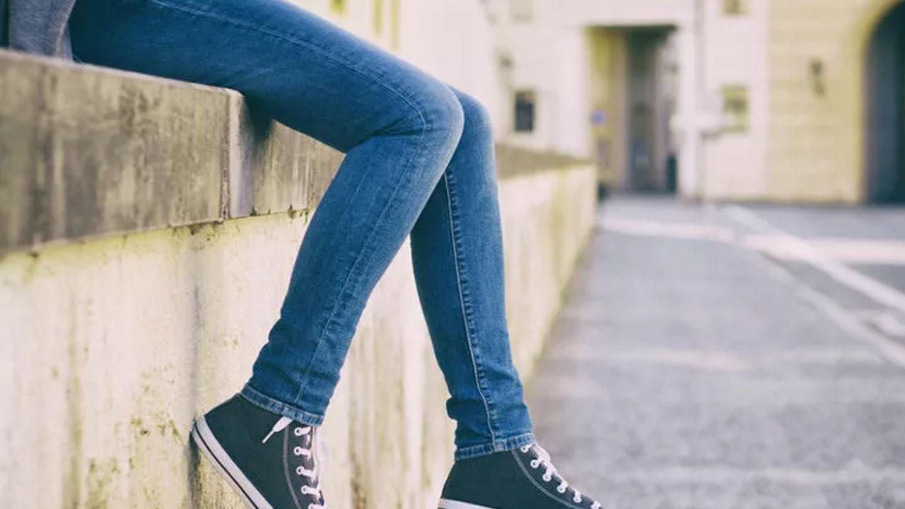 Genç kız, kot pantolon giydiği için öldürüldü