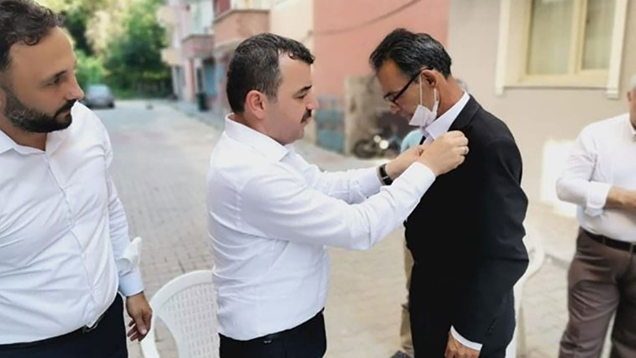 İYİ Parti'den istifa etti, AK Parti'ye geçti