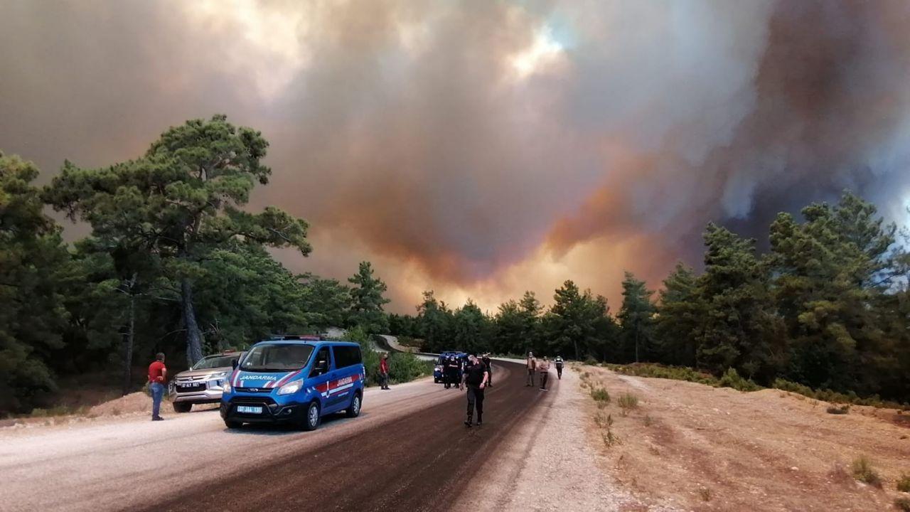 Son yılların en büyük yangını! İşte Manavgat'taki felaketten görüntüler... - Sayfa 2