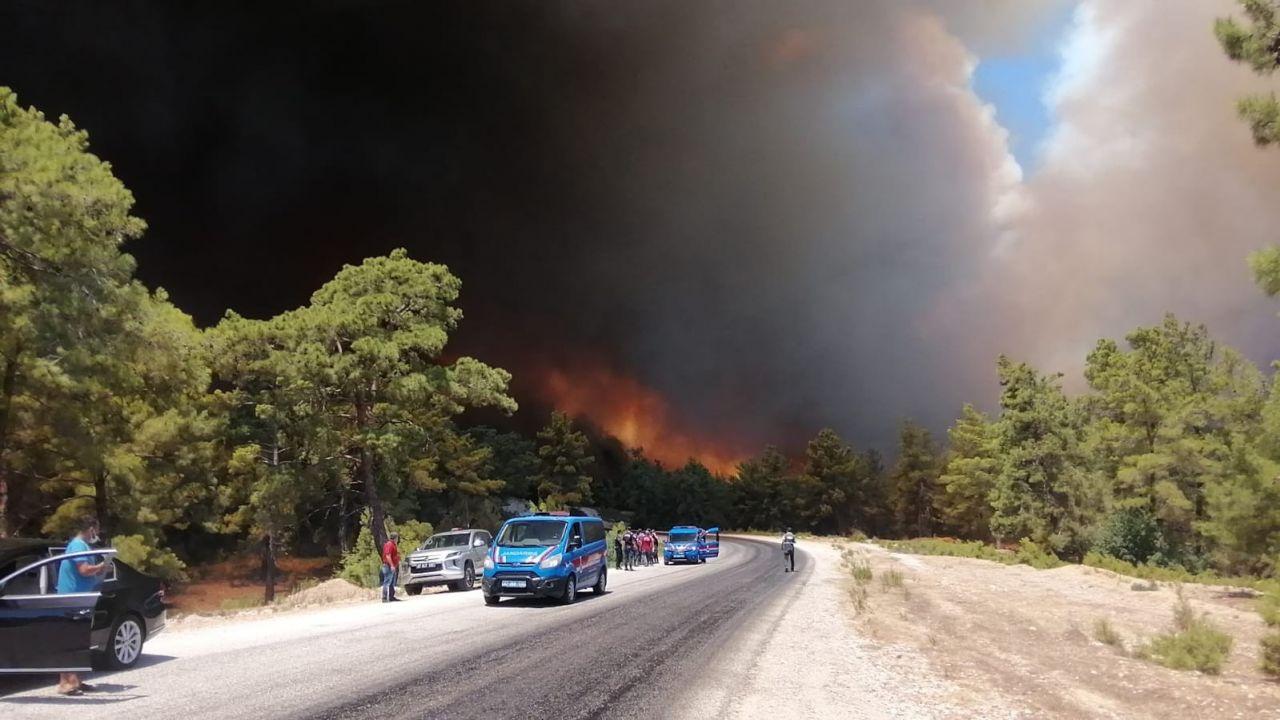 Son yılların en büyük yangını! İşte Manavgat'taki felaketten görüntüler... - Sayfa 1