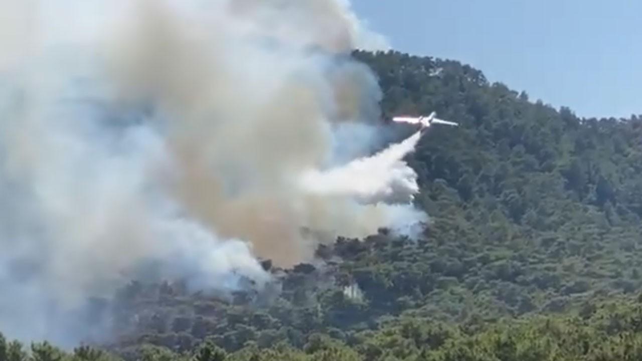 Marmaris'te çıkan yangına müdahaleler devam ediyor