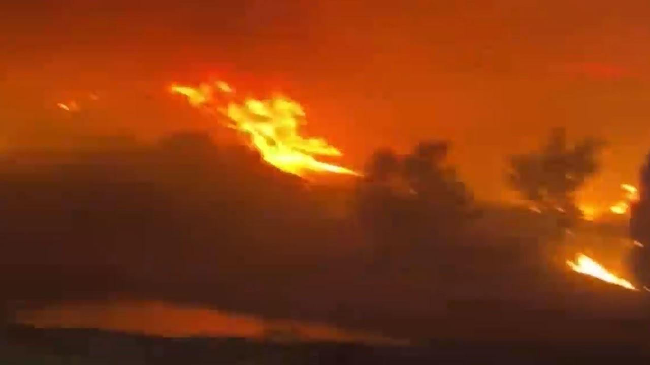 Yangında alevler termik santrale sıçradı