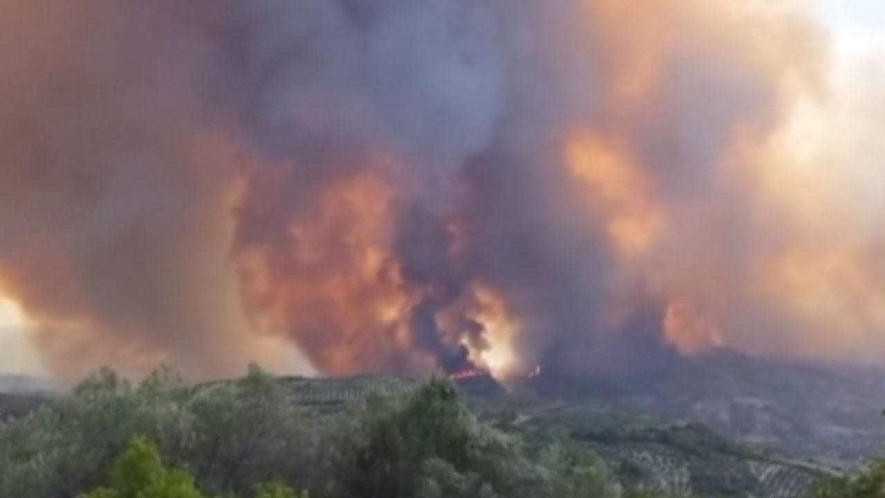Yangını Olympia antik kentine yaklaştı