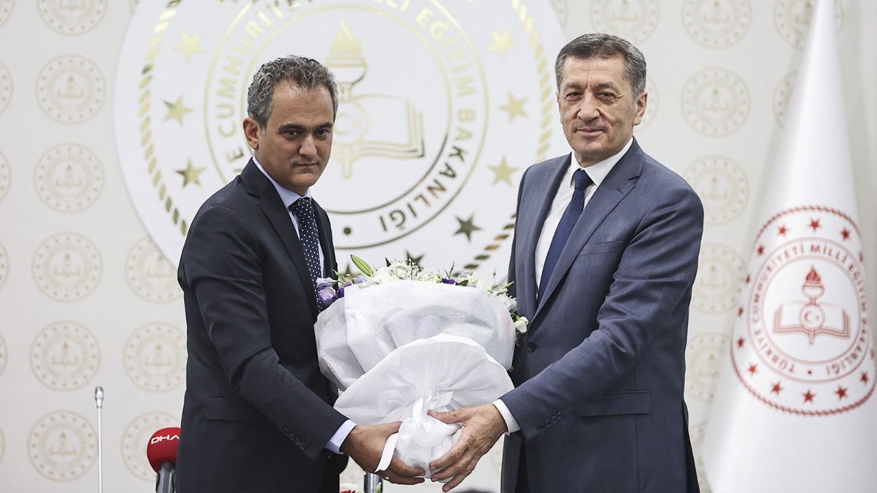 Yeni Milli Eğitim Bakanı Mahmut Özer açıkladı! Okullar Eylül'de açılacak mı?