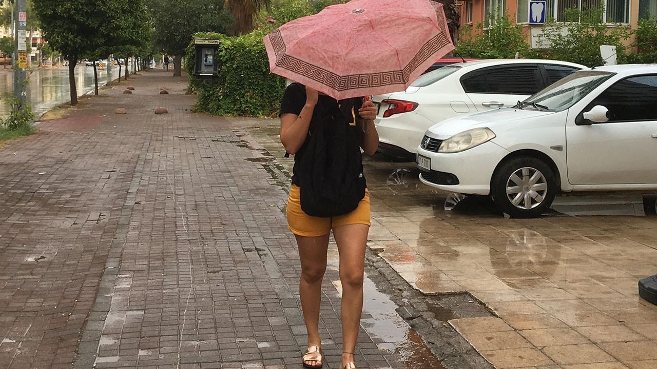 Yangın yeri Antalya'da yağmur sevinci