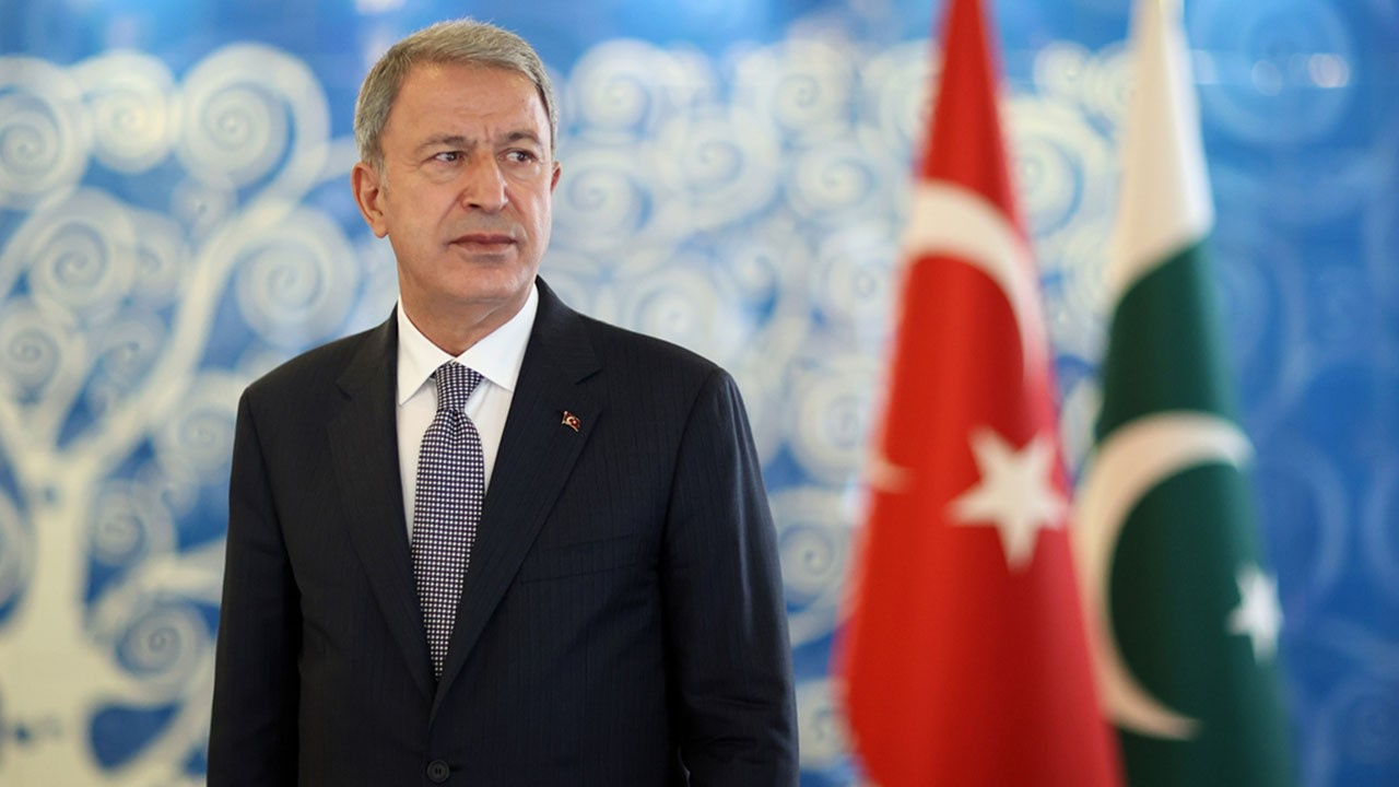 Bakan Akar: Mehmetçik sınırlara hakim!